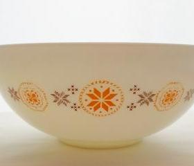 Vintage Pyrex Town and Country Cinderella Bowl